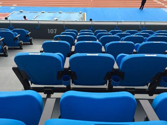 等々力陸上競技場 新設されたメインスタンドの写真